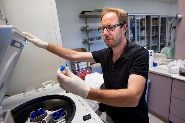 Tony Wyss-Coray in the lab