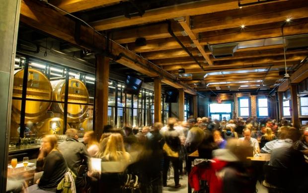boston-seaport-place-trillium-brewing-restaraunt