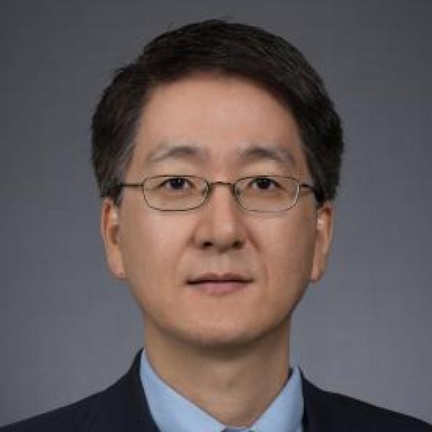 """<a href=""""https://med.stanford.edu/profiles/luke-yoon"""">Luke Yoon, MD</a>"""