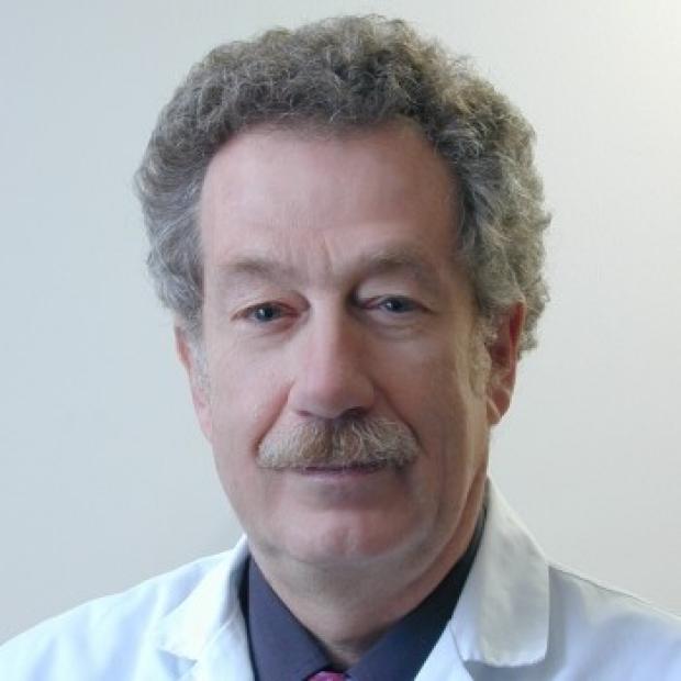 """<a href=""""https://med.stanford.edu/profiles/robert-mindelzun"""">Robert Mindelzun, MD</a>"""