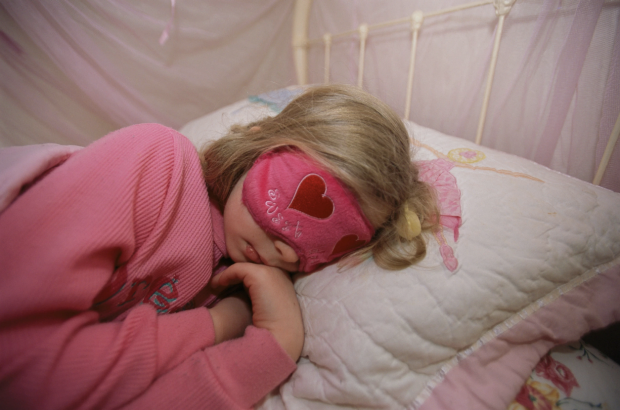 child sleeping after concussion
