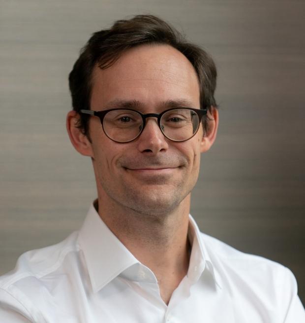 Yuan-Hung Lo