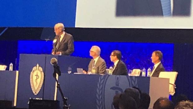 Craig Miller recieving AATS Achievement Award