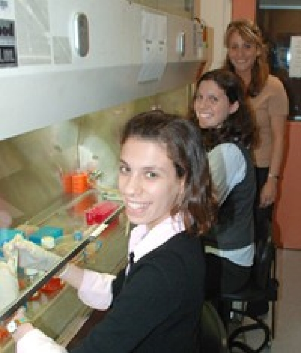 Katie and Julia Ransohoff with Sonja Schrepfer in CT Lab