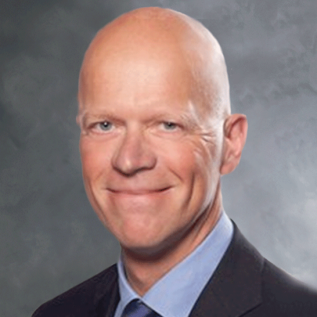 headshot of Olaf Reinhartz
