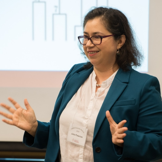 Julia Palacios presents at 2019 DBDS Symposium, courtesy of Steve Castillo Photography