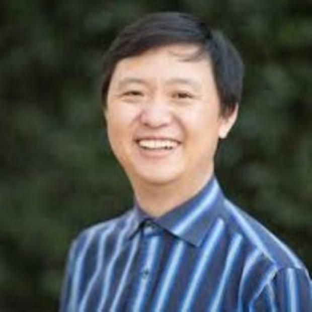 Lu Tian headshot