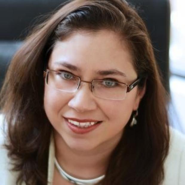 Julia Palacios headshot