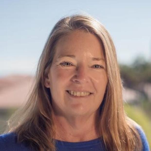 Teri Klein headshot