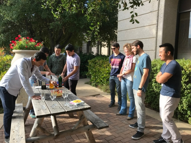 Ding Lab Lunch 2017 Cut Cake