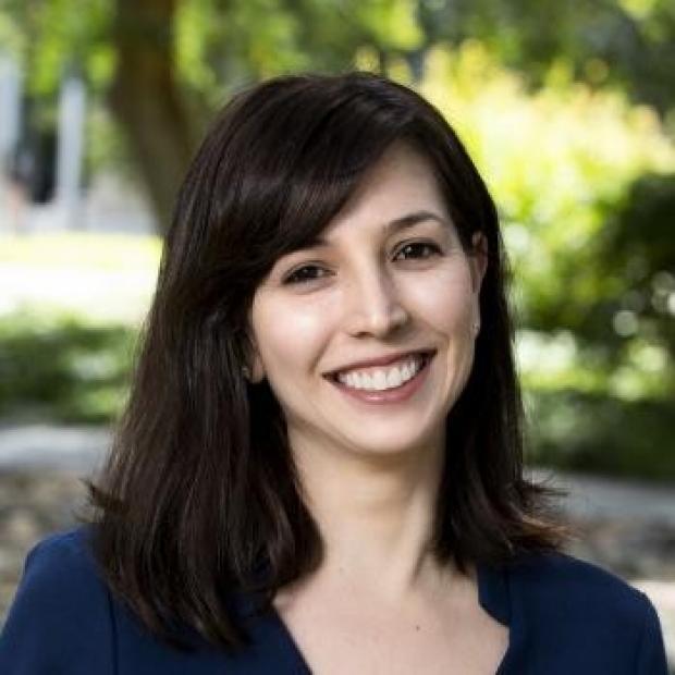 Julia Simard headshot