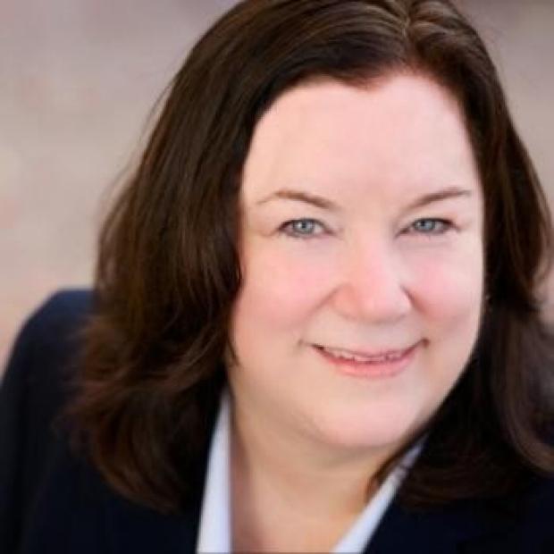 Lori Nelson headshot