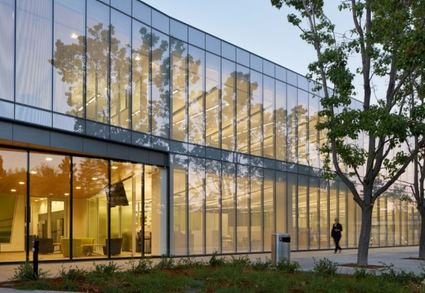 karakikes-lab-building