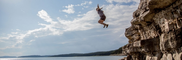 Photo: cliff jumping