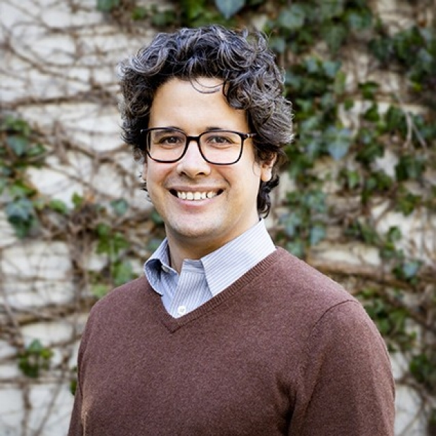 Yiorgo Skiniotis