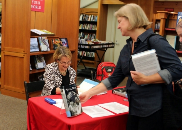 charlotte book signing