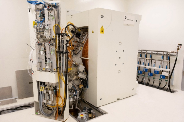 Photo of the MIPS GE PETrace cyclotron