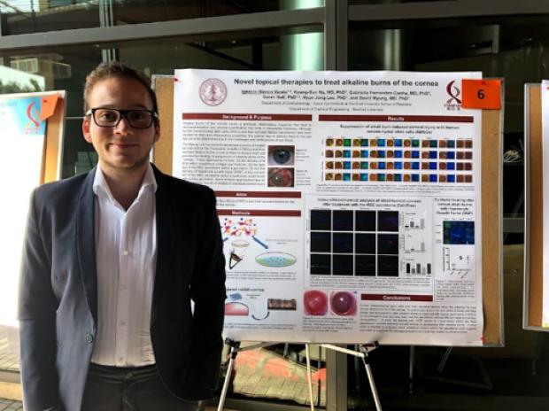 Lab member presenting at the Summer 2018 Bio-X Symposium