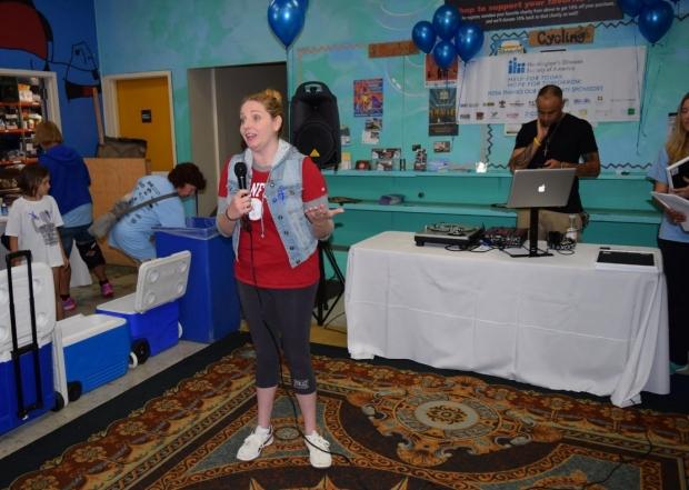 Veronica Santini Talking at the HDSA Team Hope Walk