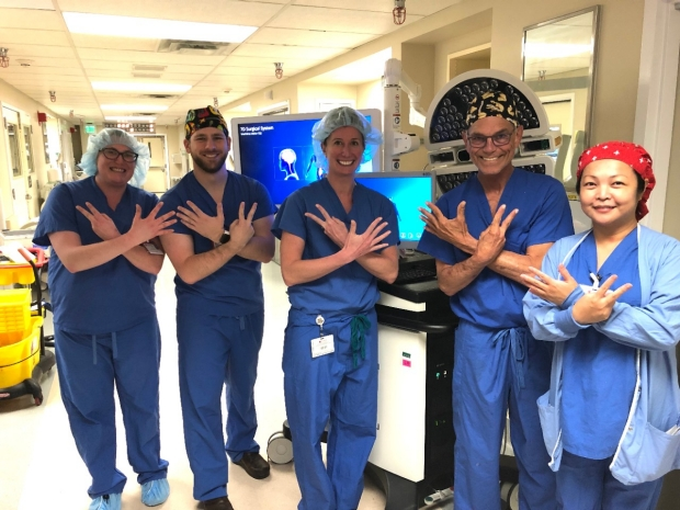 neurosurgery_neurospine_spine_robot_Zygourakis_7D_team