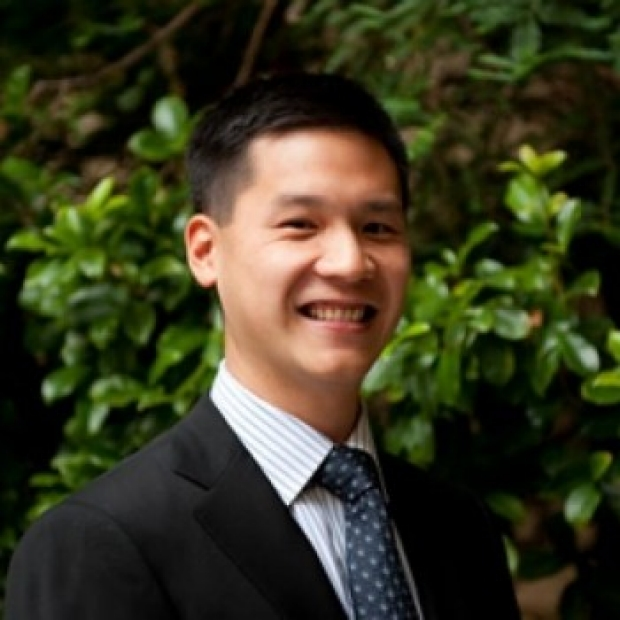 Dr. Gordon Li