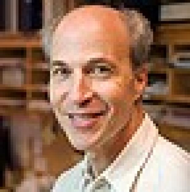 'Do research,' Nobel laureate Roger Kornberg urges graduates of Stanford Medical School