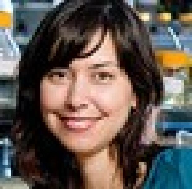 Bioengineer builds molecular 'switch' to reprogram control pathways in cells