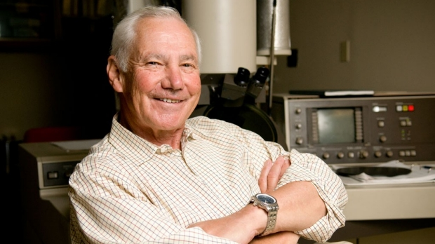 Stanford scientist Stanley Falkow to receive National Medal of Science