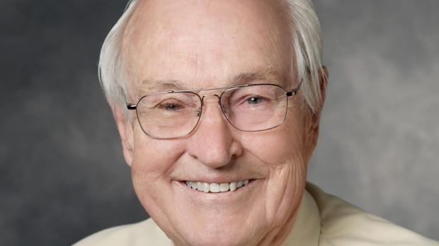 Harry Oberhelman dies at 92