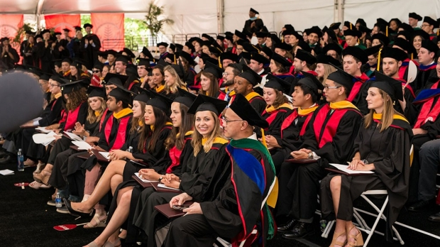 Surgeon-scientist urges medical school graduates to advocate for equality in health care