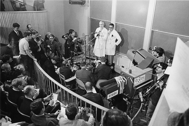 1968 news conference about the first heart transplant in the U.S.