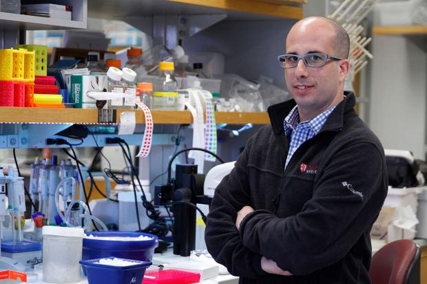 Aaron Gitler in his lab