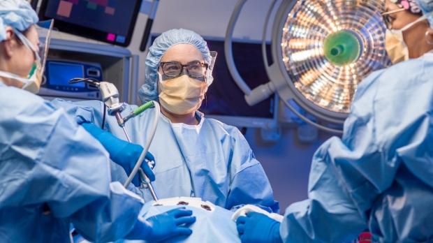 Robot aids cancer surgery