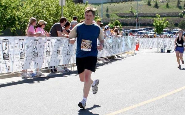 Mark Nicolls running a marathon