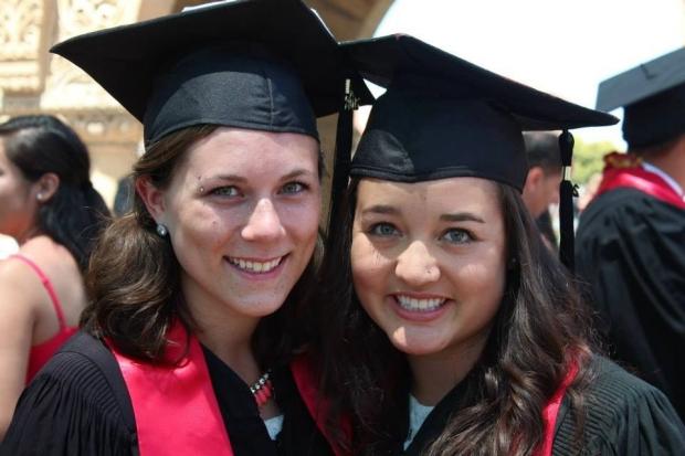 15.06_Graduation_Lisa_Raena