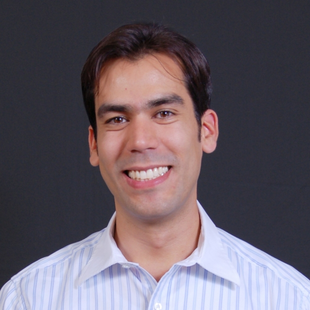 photo of Carlos Suarez