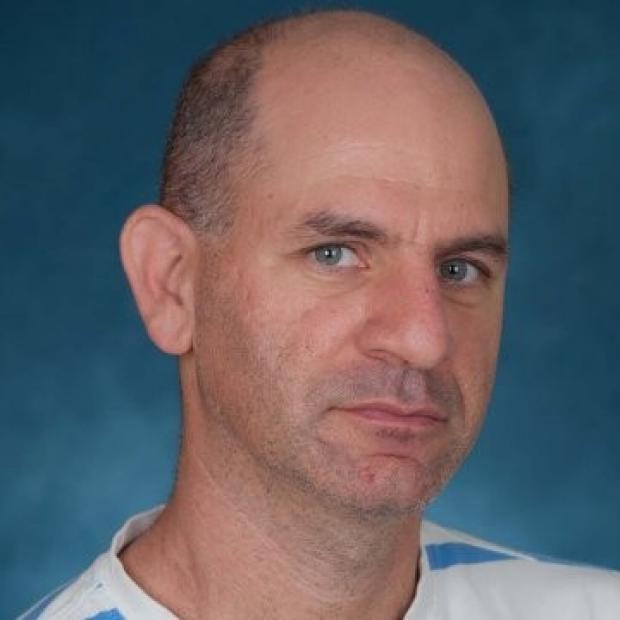 Liran Einav headshot