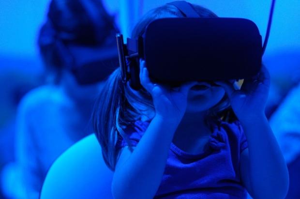 Child in VR Glasses