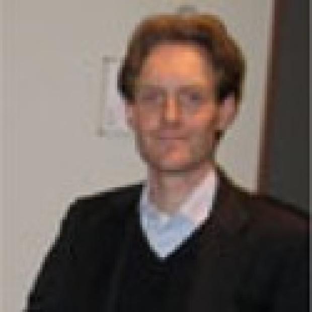 smiling headshot of Daniel Pijnappels
