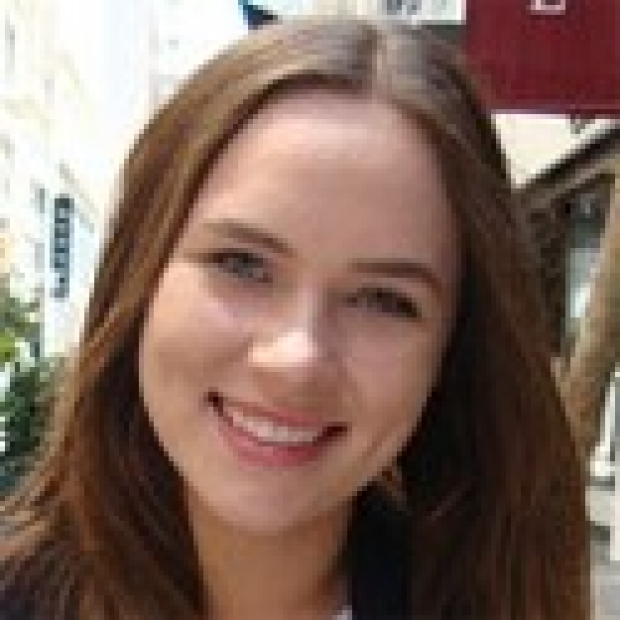 smiling headshot of Karolina Plonowska
