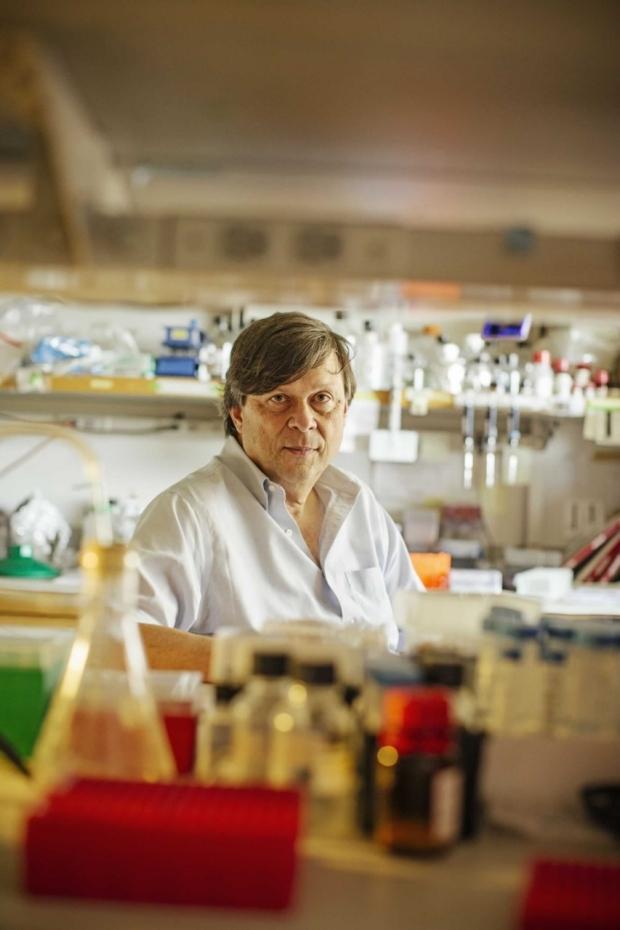 Mark Davis in the lab