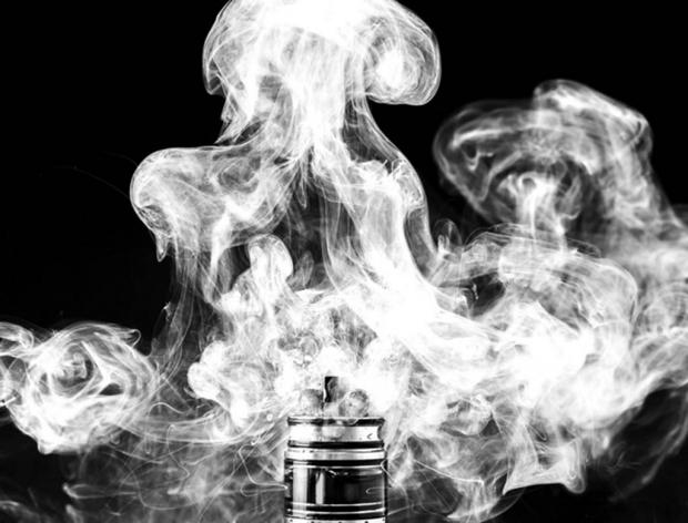 Rain Ungert / EyeEm image of smoke from an e-cigarette