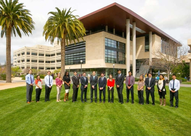 Woo Lab group picture in front of Li Ka Shing Center