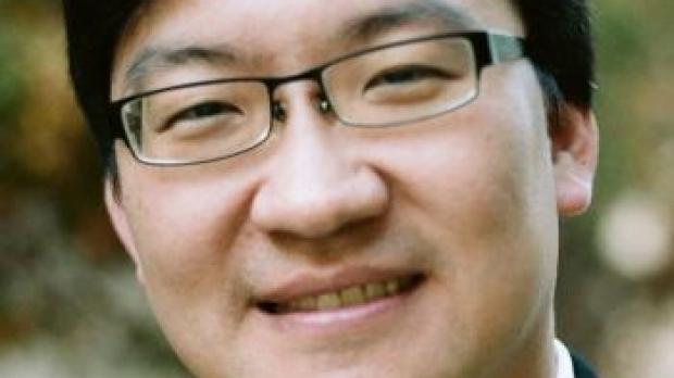 smiling headshot of Ian Chen