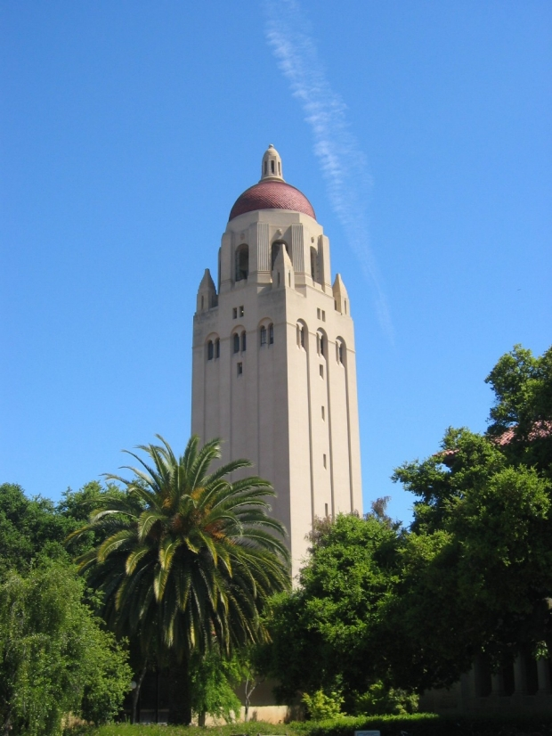 Stanford_University_Hoover_Tower