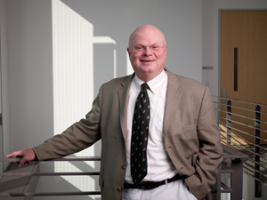 Pegram to head Stanford breast cancer program | News Center