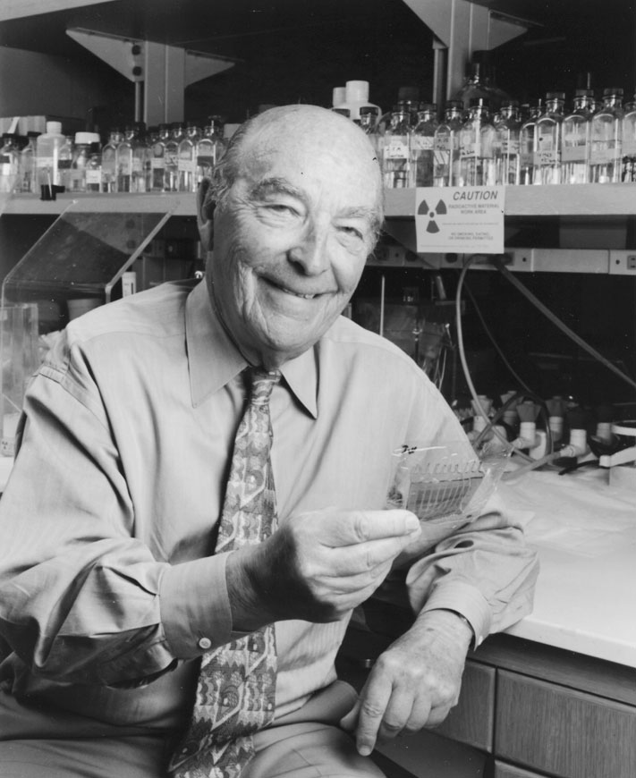 a biography of american biochemist and physician arthur kornberg Remembering a pioneer of biotechnology march 3, 2015 by russell lee today is the birthday of arthur kornberg, who was born on march 3, 1918 the american biochemist was the first to discover how dna is biologically assembled.