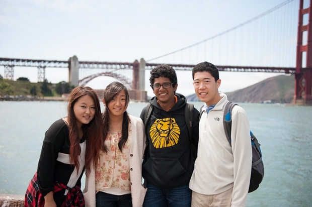 students in front of Golden Gate Bridge