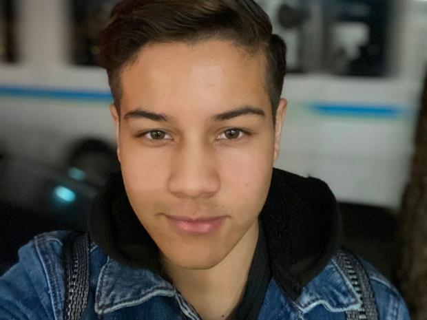 headshot of Yuri De Castro