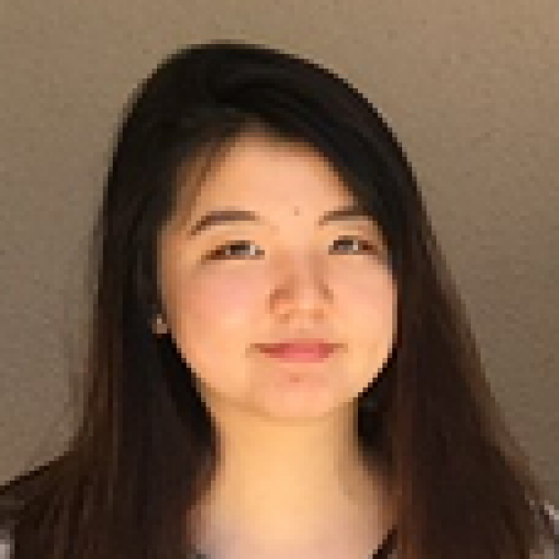 smiling headshot of Lily Cheng